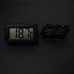 Электронный термометр в выносным датчиком температуры — фото