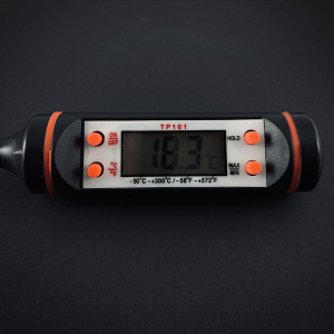 Електронний кухонний термометр — фото